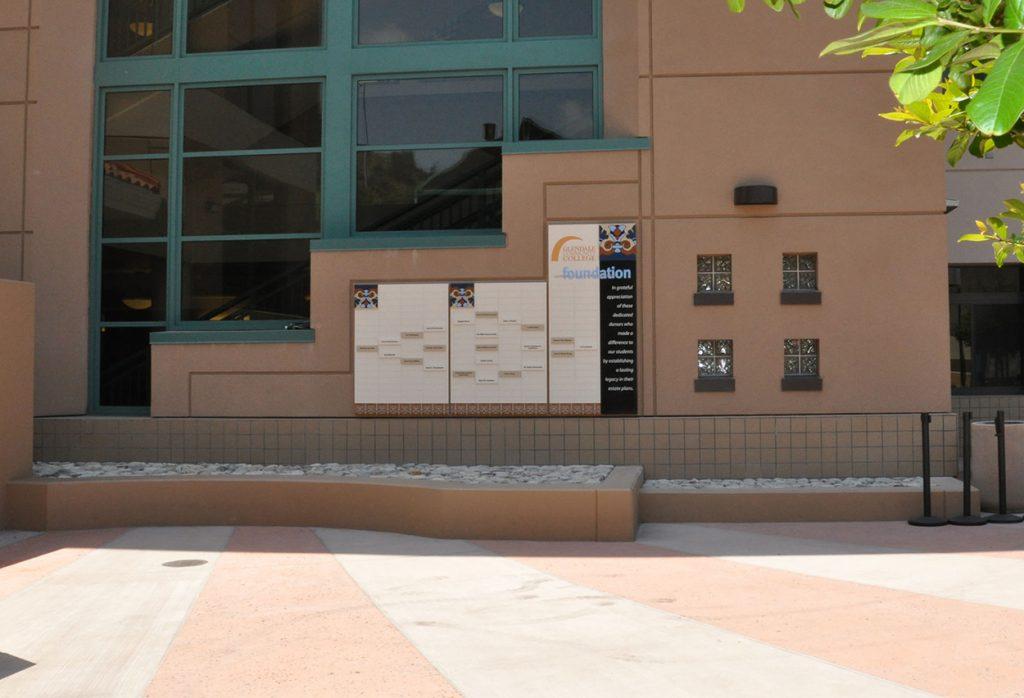 outdoor pre-defined donor wall