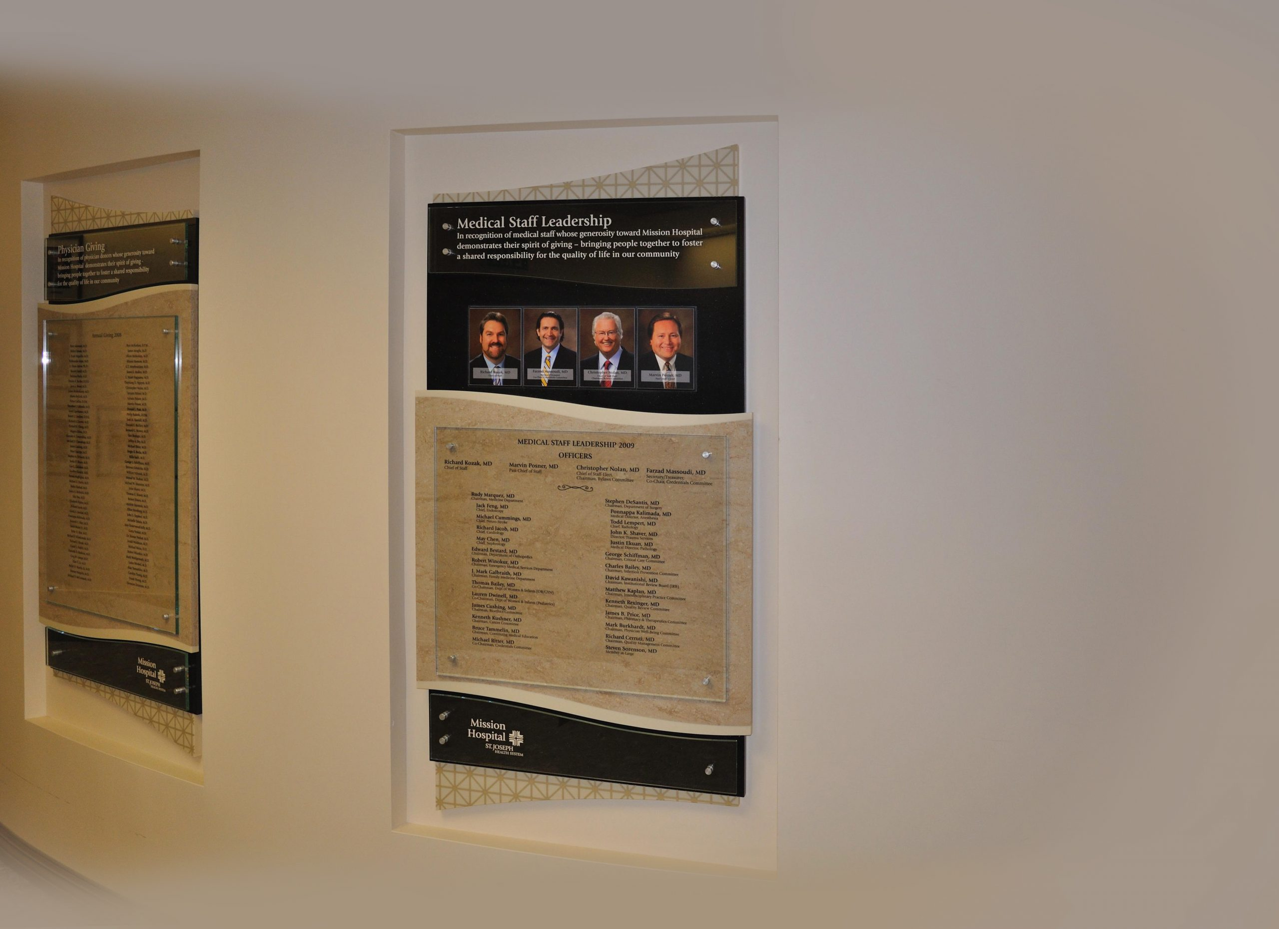 Leadership recognition display